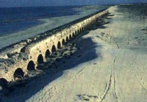 Caesarea-aqueduct-2